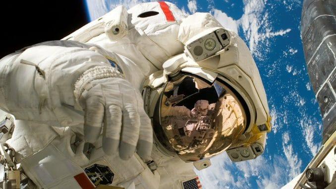 Des figurines d'astronautes pour décorer votre logement